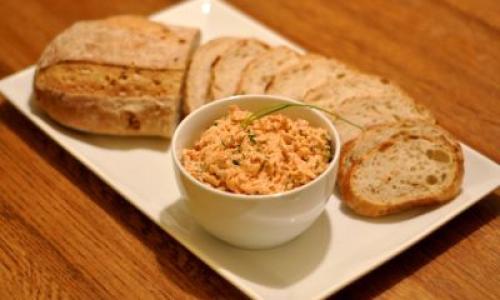 Rillettes de maquereaux à la tomate réduites en sel