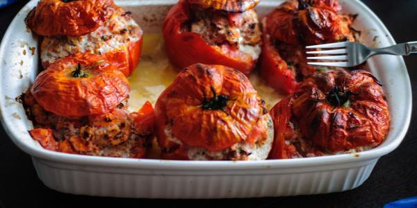 Tomates farcies végétaliennes au son d'avoine